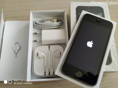 iPhone 5s / 16GB / SIM Free /Full pack